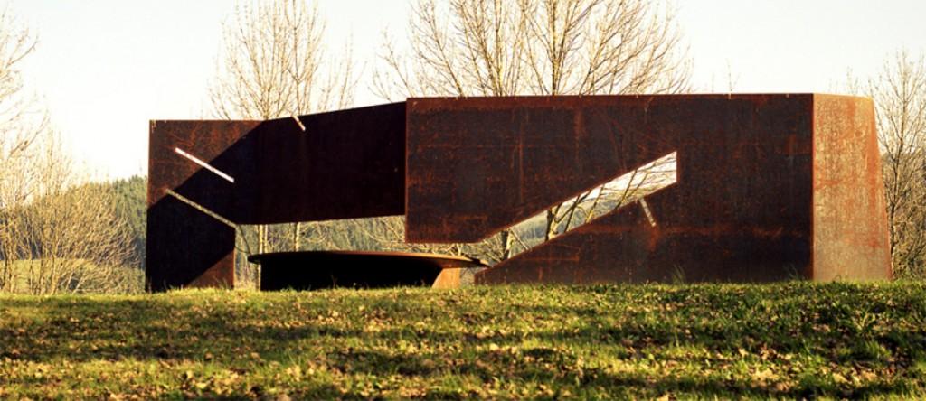 Escultura «Solsticio de invierno»   Jesus Jauregui